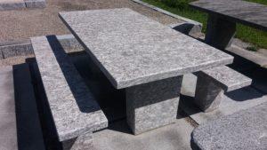 Granittisch Adula mit modernem Design