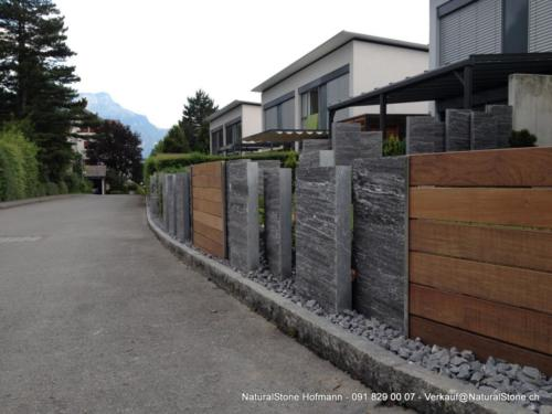 Calanca Palisaden kombiniert mit Holz