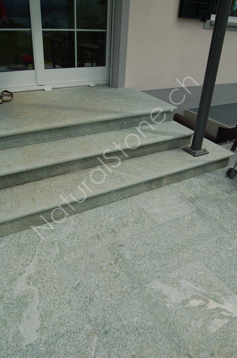 Andeer Bodenplatten und Blocktritte