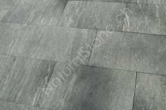 Onsernone_Bodenplatten_kugelgestrahlt