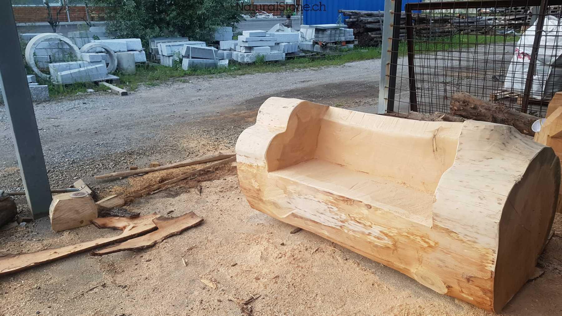 Zedernholz-Sofa-schraeg