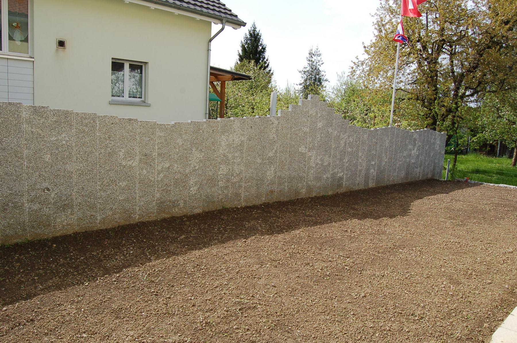 DSC_0679_Stehlen_Palisaden_Iragna_Sichtschutzmauer