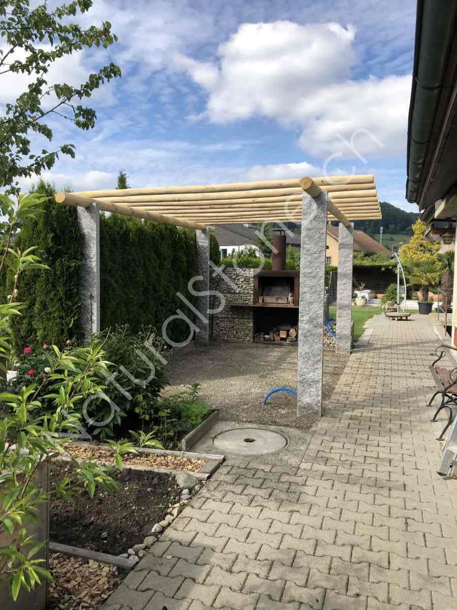 Pergola Tessiner Gneis hell Kastanienholz Top Qualität