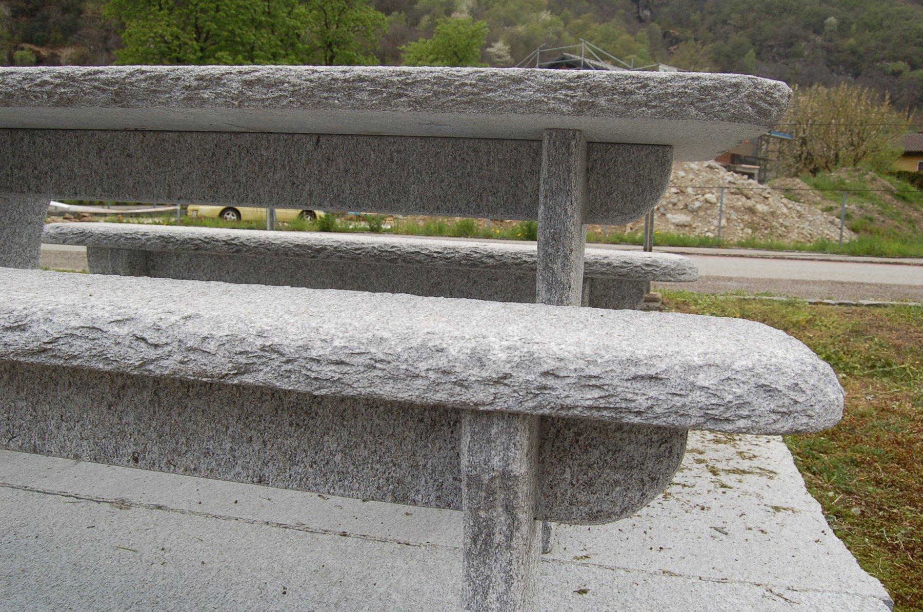 Granittisch-Gottardo-Kanten-rund