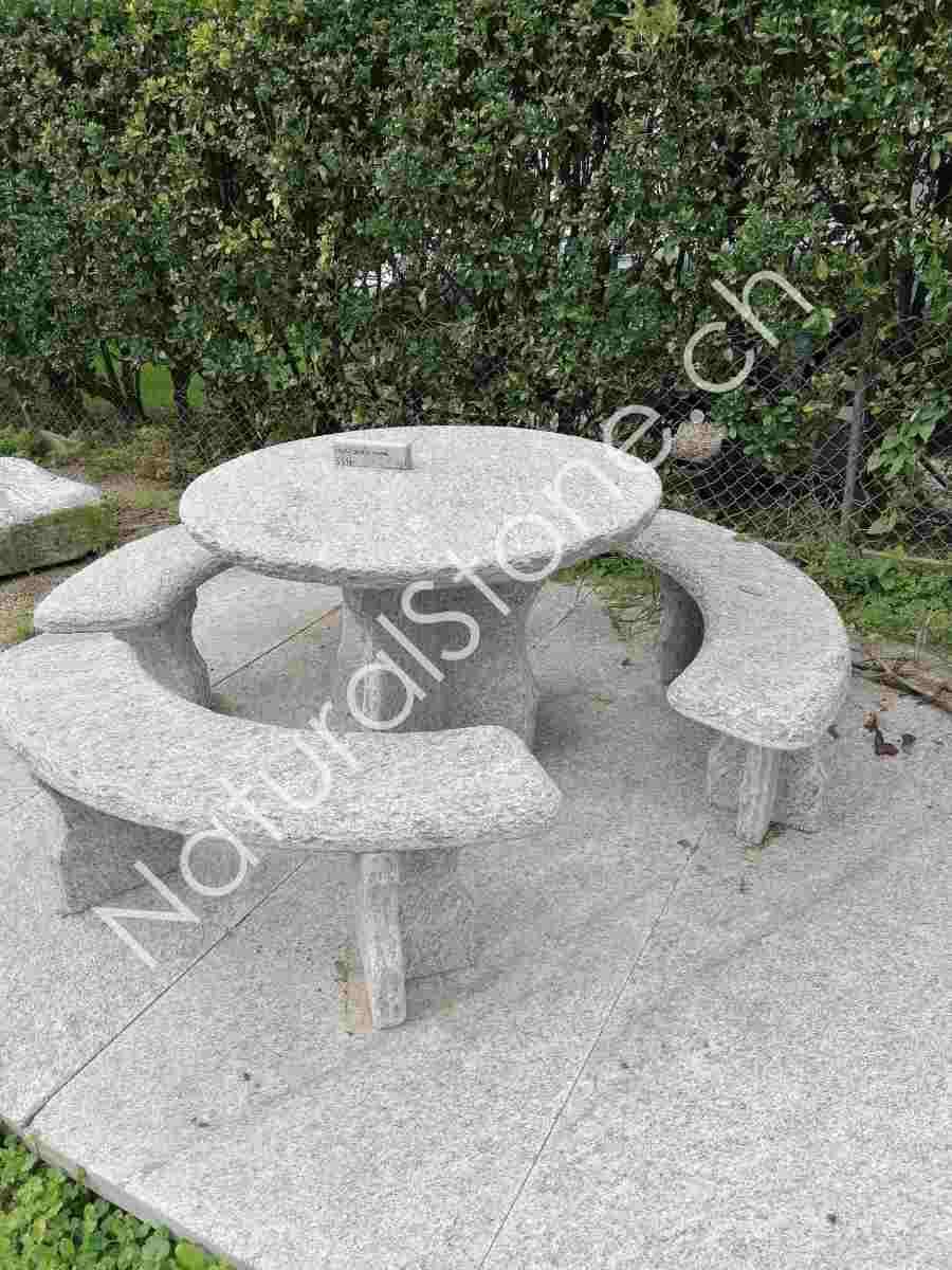 Granittisch-Gottardo-rund-Fuss-halbkreuz-und-Kreuzfuss