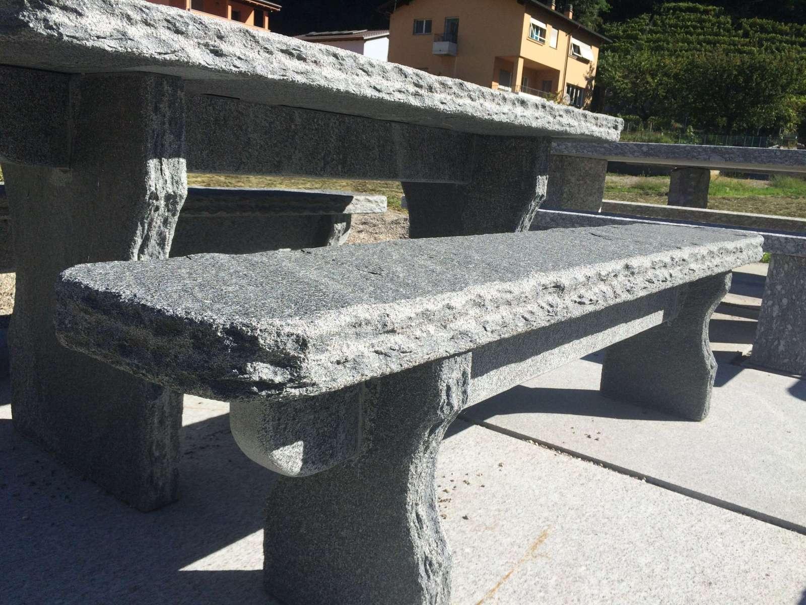 Granittisch-Grotto-Kanten_Gerade