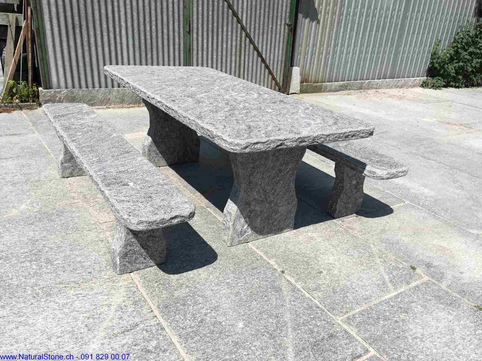 Semi-Classico-scuro-Gartentisch-freistehend-Maggia-Gneis
