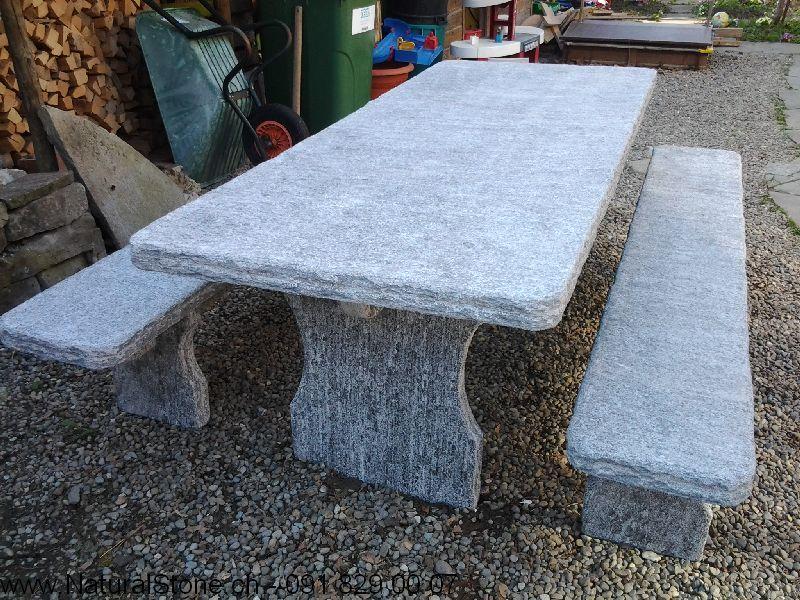 Tisch-Bernardino-mit-Bänken