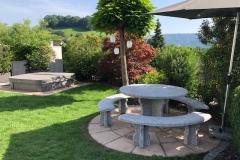 Granittisch-Gottardo-rund-Gartentisch-Tessiner-Gneis