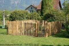 Staketenzaun_im_Garten